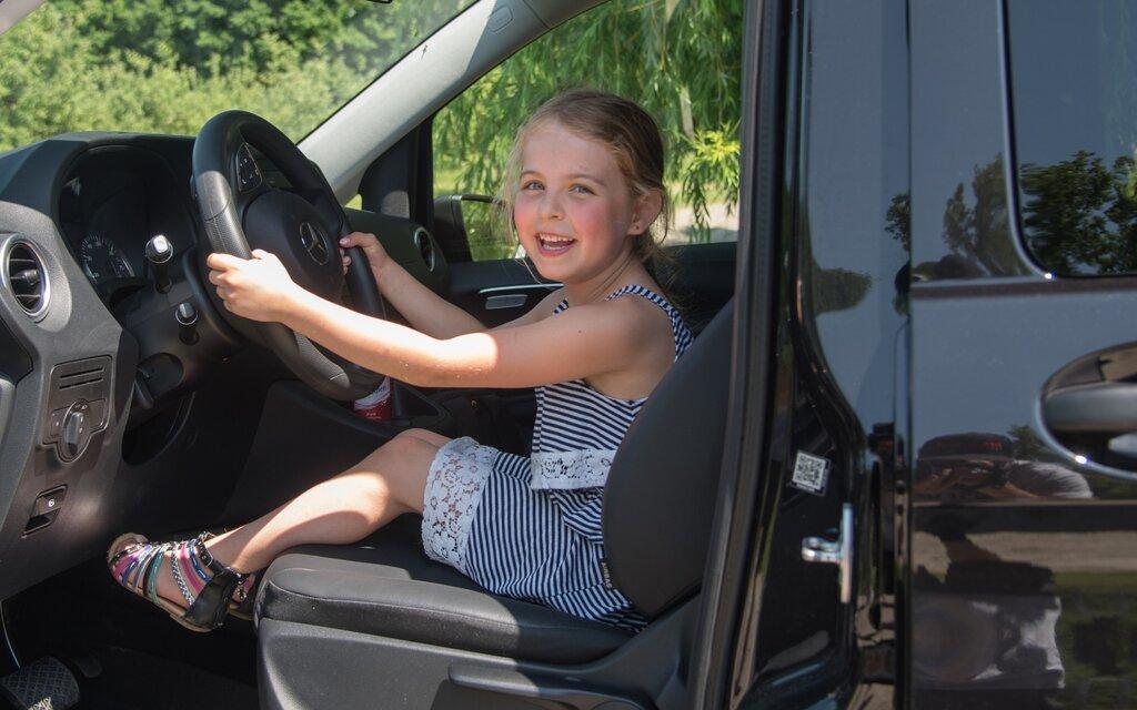les si ges d auto pour enfants soumis une nouvelle r glementation guide auto. Black Bedroom Furniture Sets. Home Design Ideas