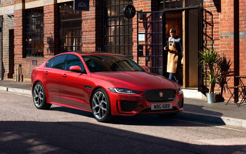 2020 Jaguar Xe Sharper Lines New Technology The Car Guide