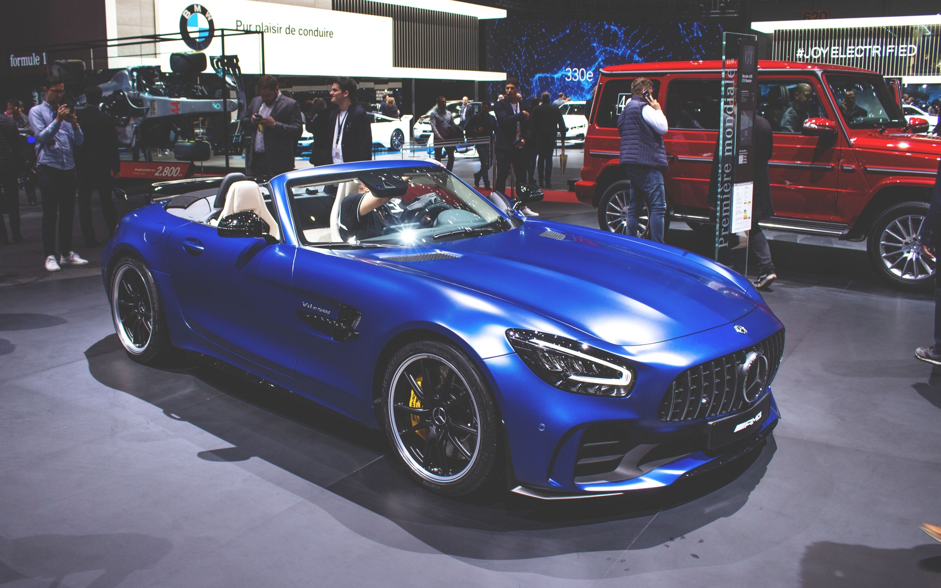 Mercedes Amg Presents Gt R Roadster In Geneva The Car Guide