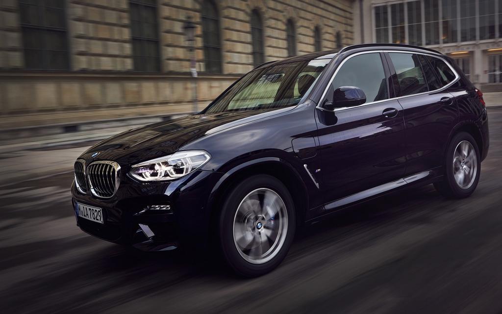 <p>BMW X3 xDrive30e</p>