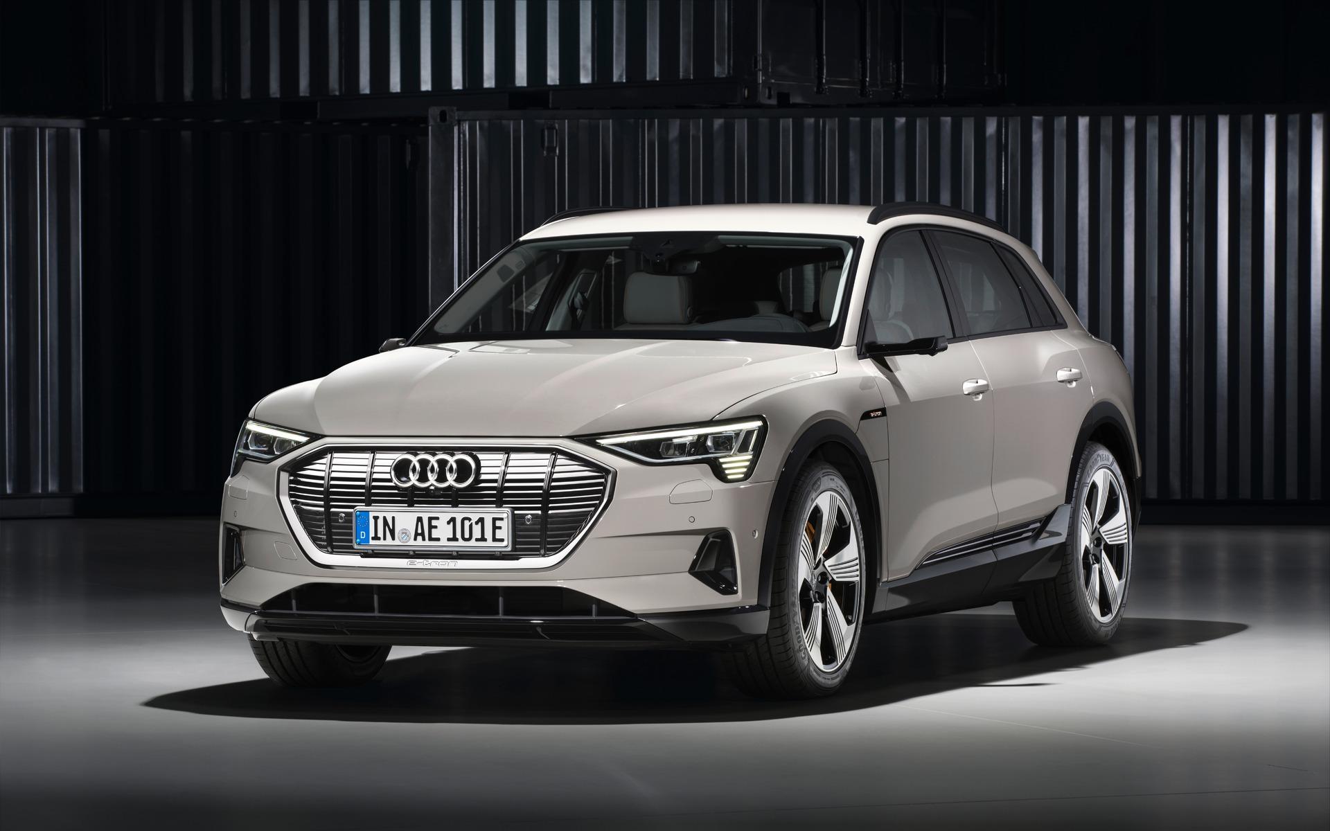 <p>Audi e-tron quattro</p>