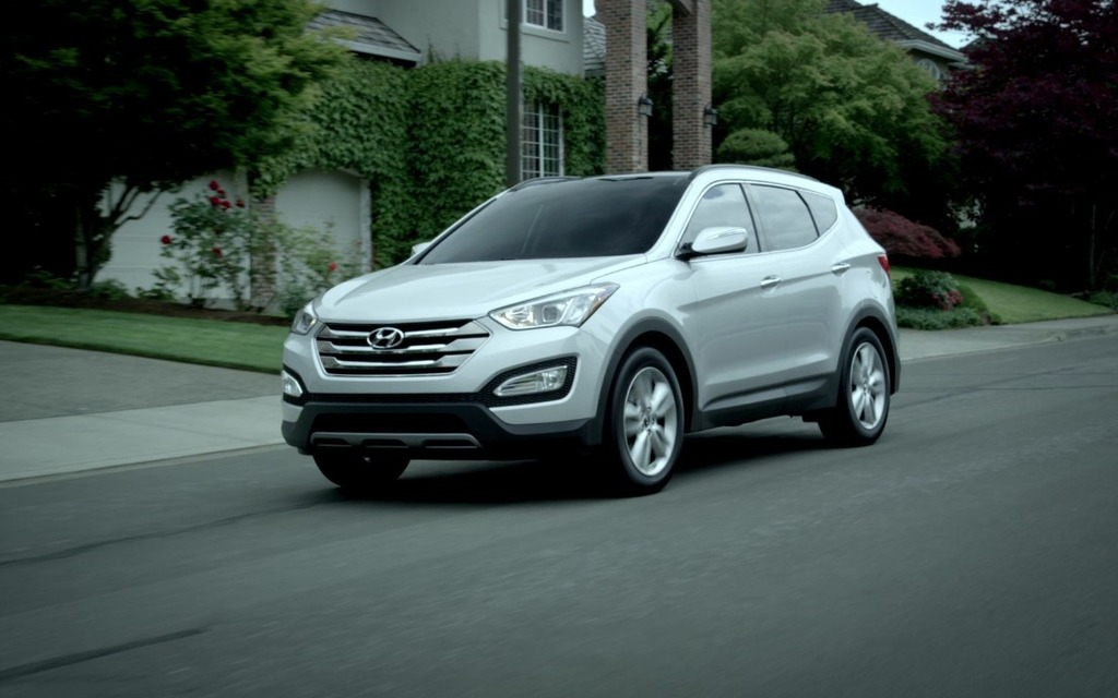 <p>2016 Hyundai Santa Fe Sport</p>