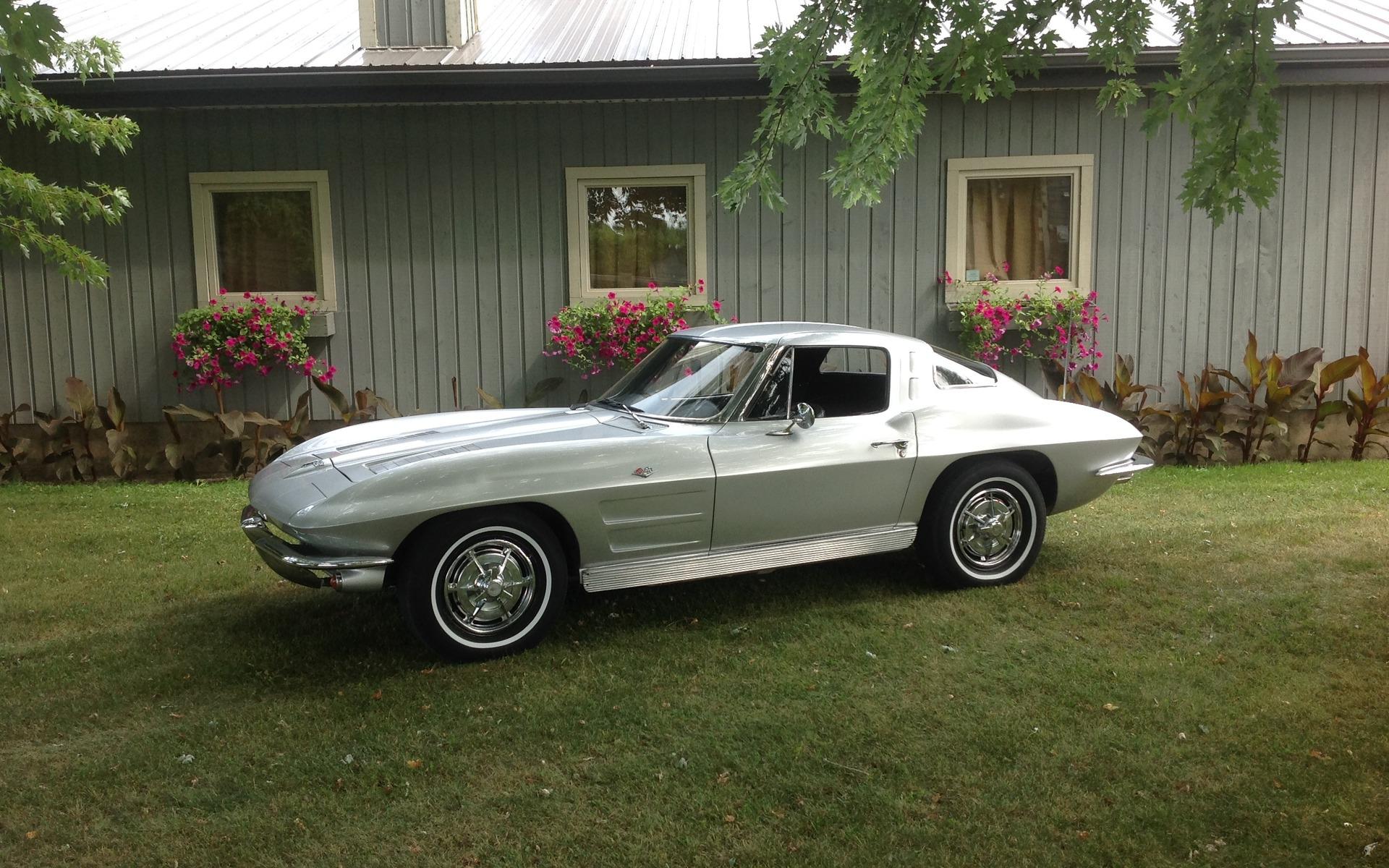 Chevrolet Corvette 1963 : le rêve du collectionneur 372140_1963_Chevrolet_Corvette