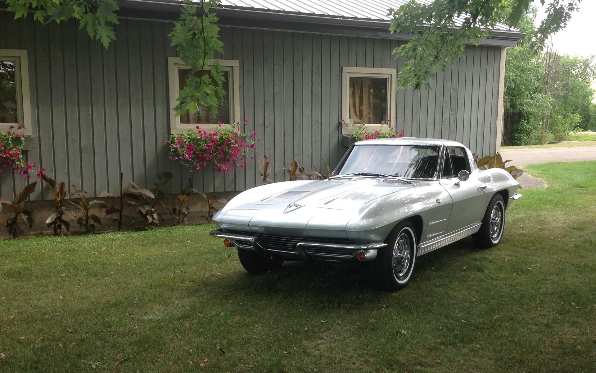 Chevrolet Corvette 1963 : le rêve du collectionneur 372141_1963_Chevrolet_Corvette