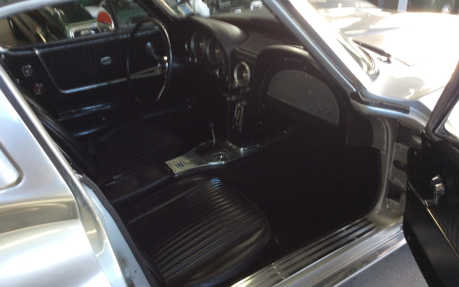 Chevrolet Corvette 1963 : le rêve du collectionneur 372143_1963_Chevrolet_Corvette