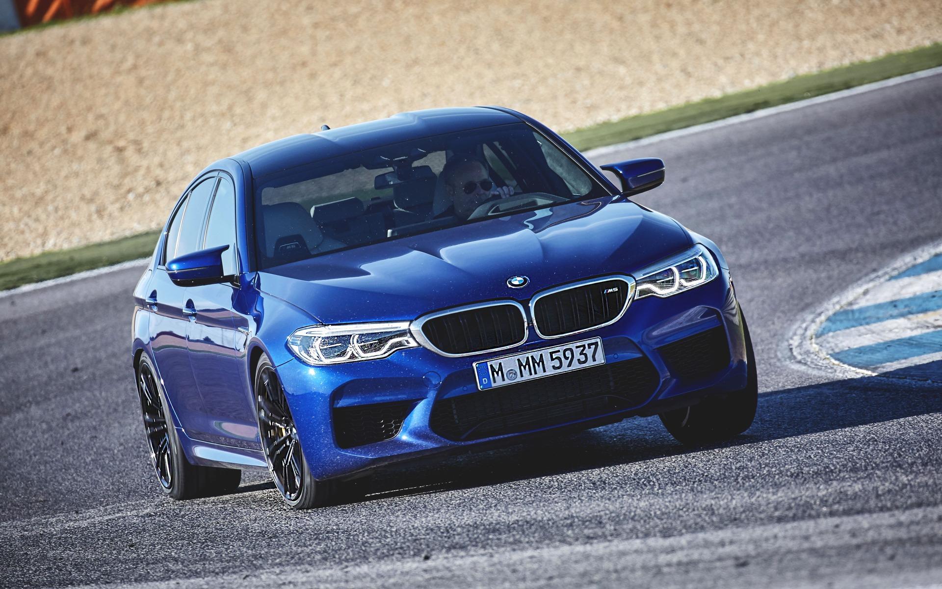 <p>BMW M5</p>
