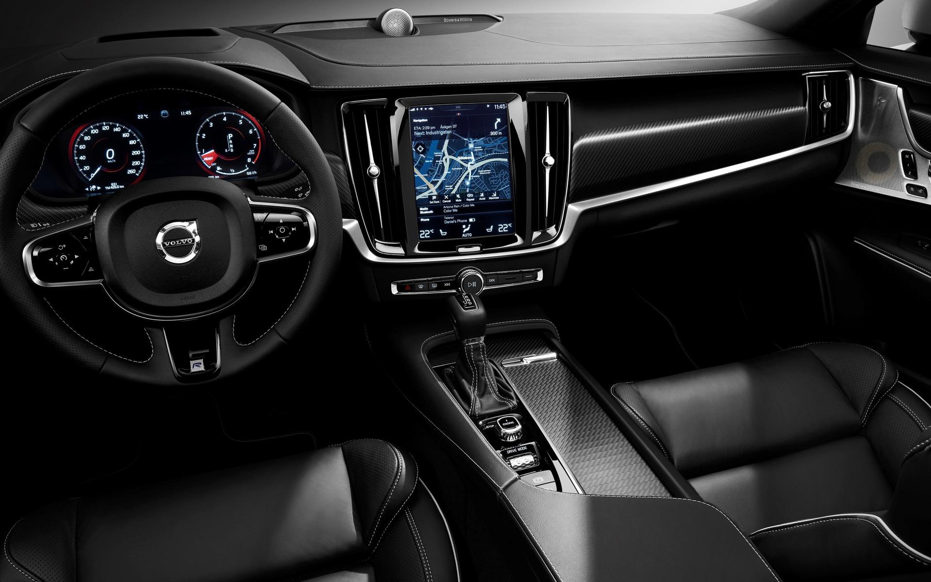 <p>Volvo S90</p>