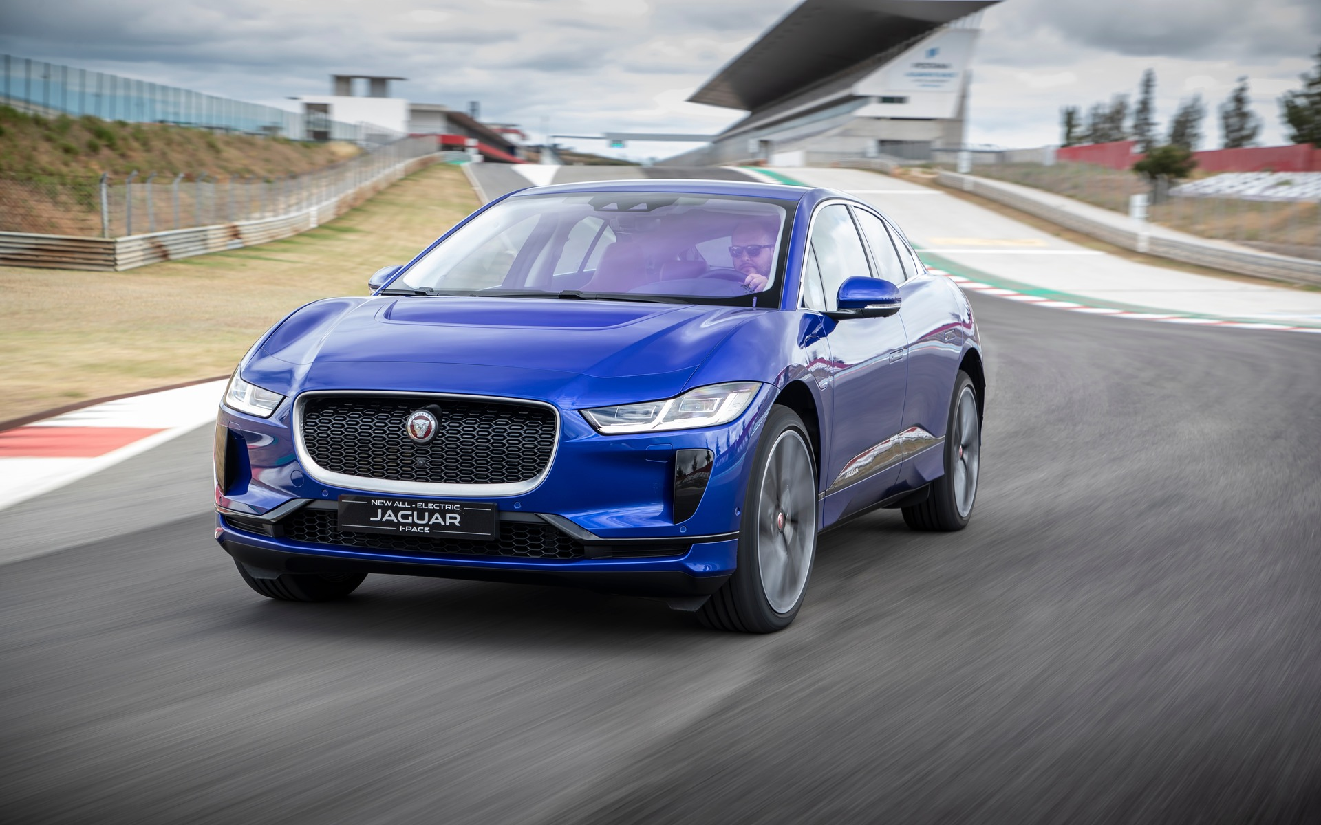 Triple Win for Jaguar I-PACE at 2019 World Car of the Year