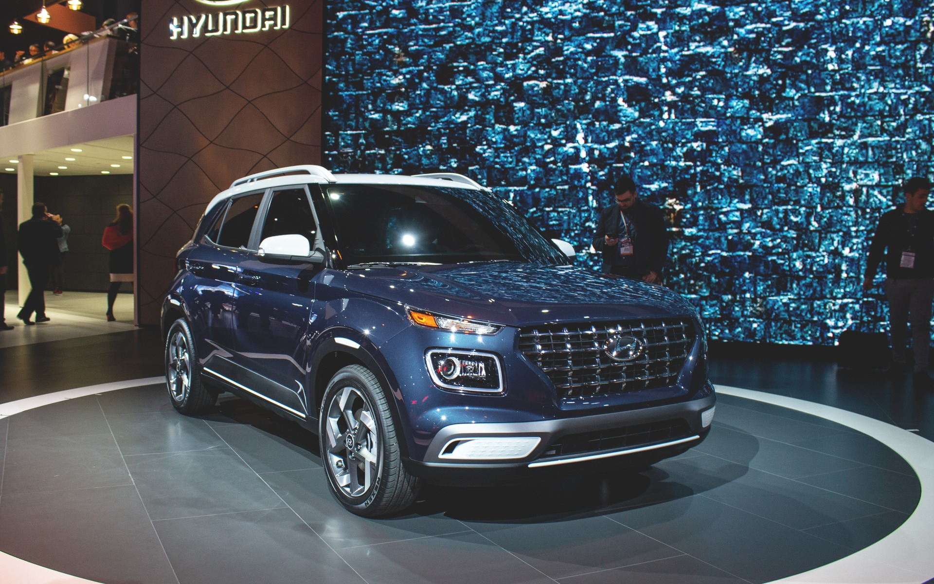 Hyundai Venue Debuts In N Y As Kona S Little Brother The Car Guide