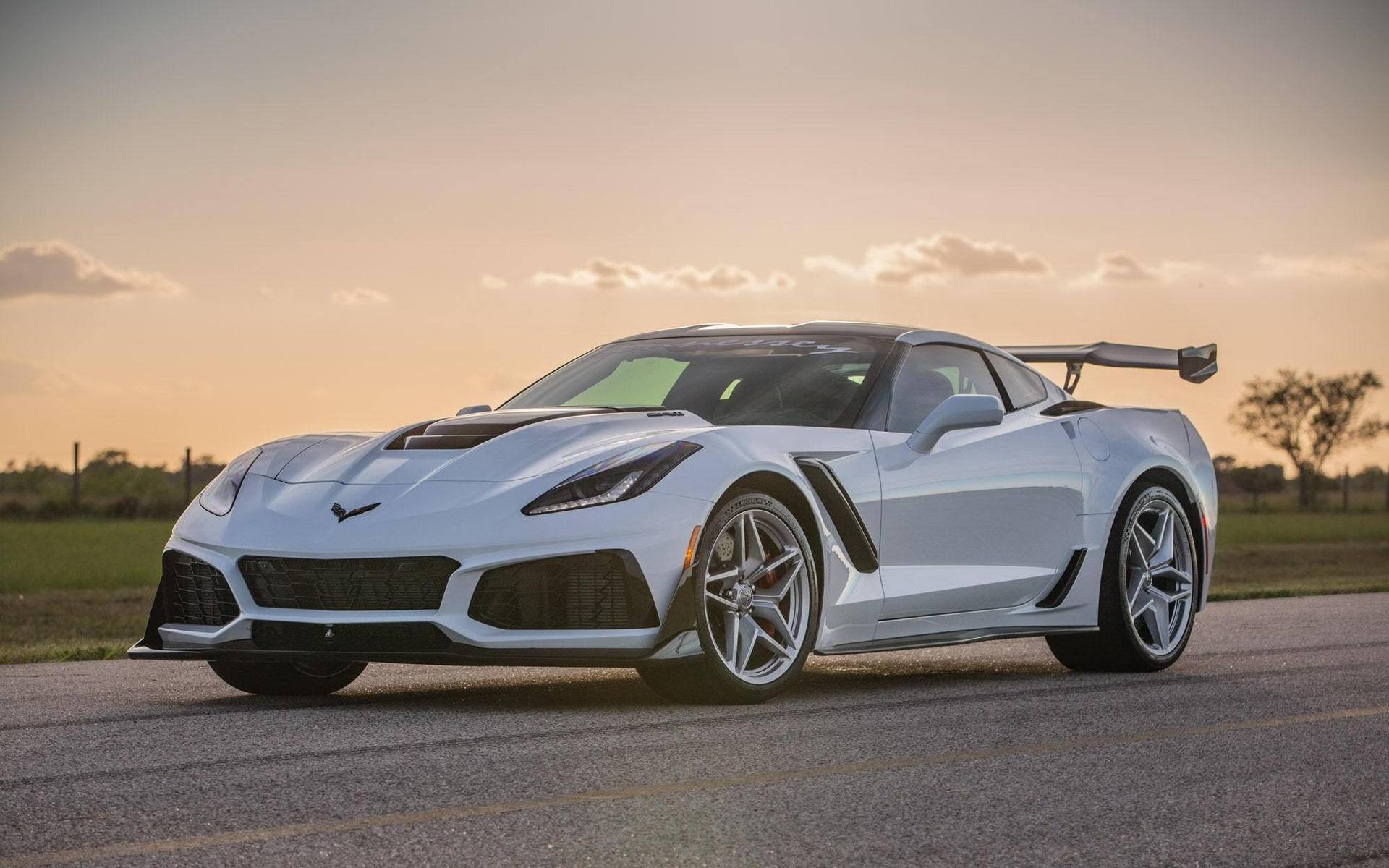 Hennessey Chevrolet Corvette Zr1 Cranked Up To 1 000 Hp And More