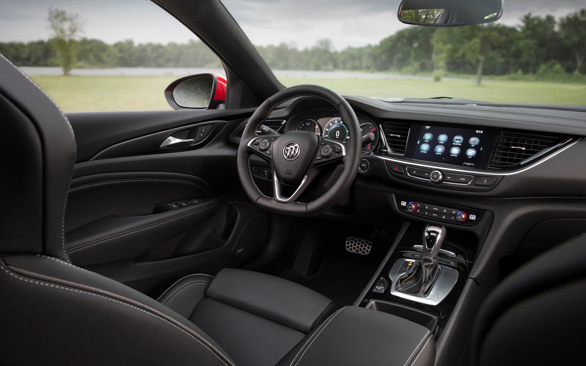Buick Regal 2019 : cinq choses à savoir 375427_2019_Buick_Regal
