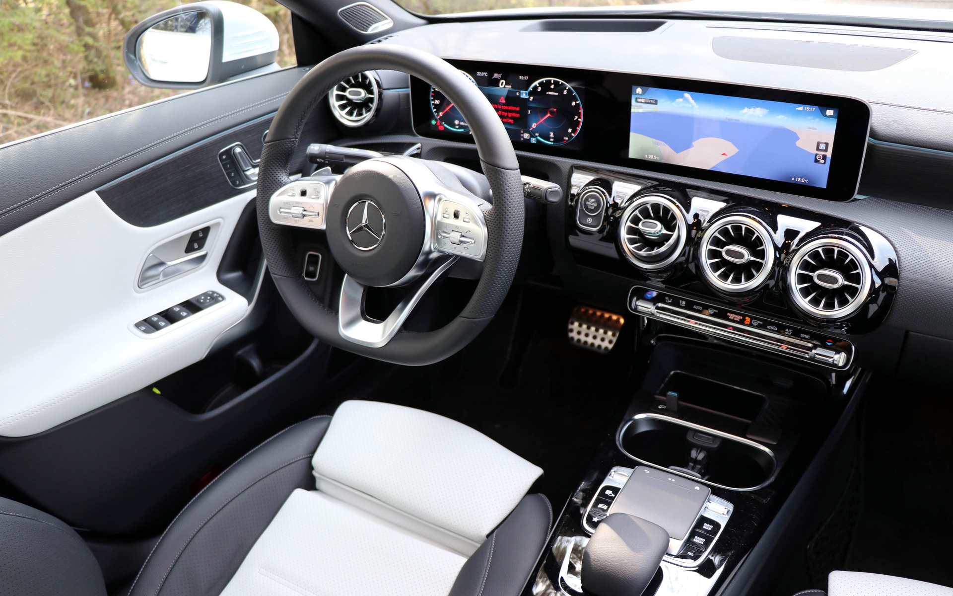 2020 mercedes benz cla trying hard to stay relevant the. Black Bedroom Furniture Sets. Home Design Ideas