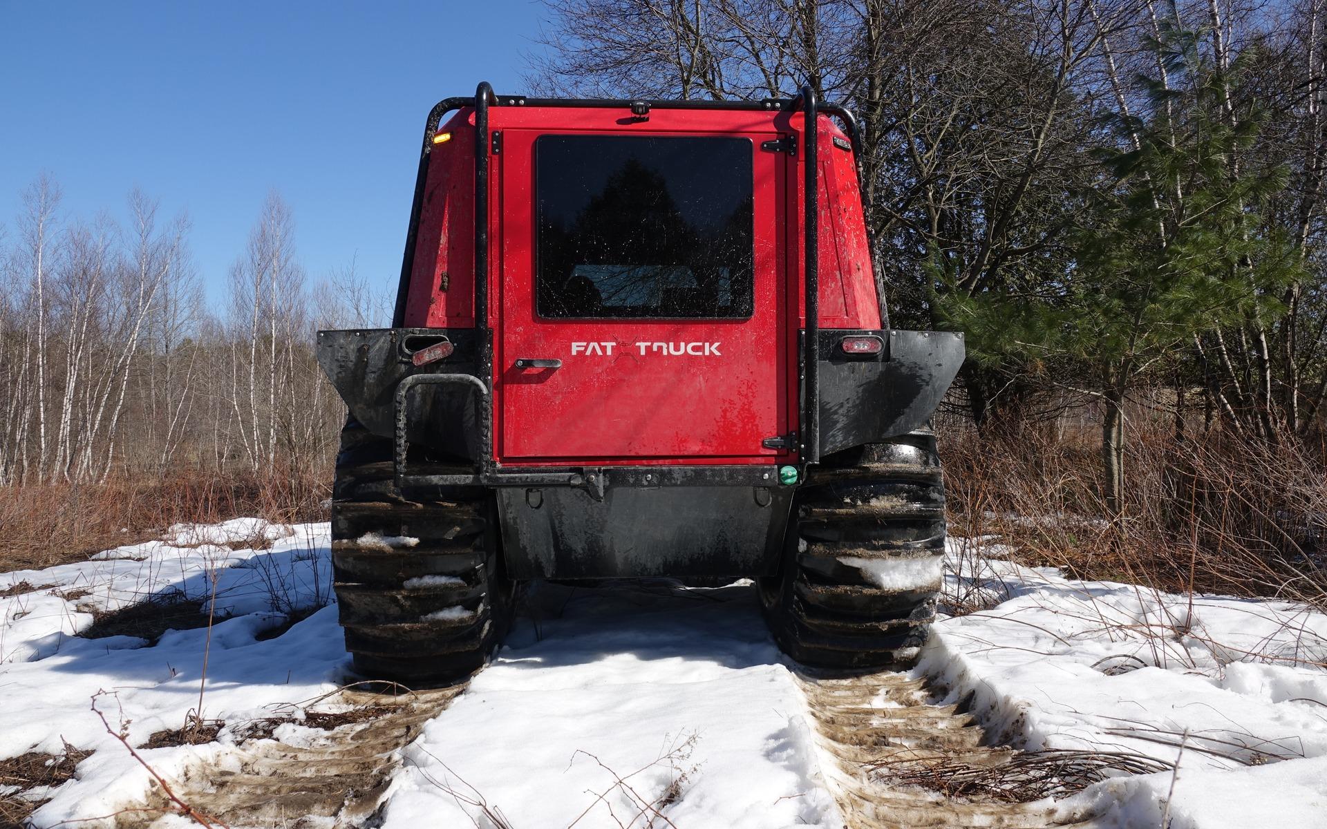 <p>Le Fat Truck en vue arri&egrave;re, avec &eacute;chelle escamotable</p>