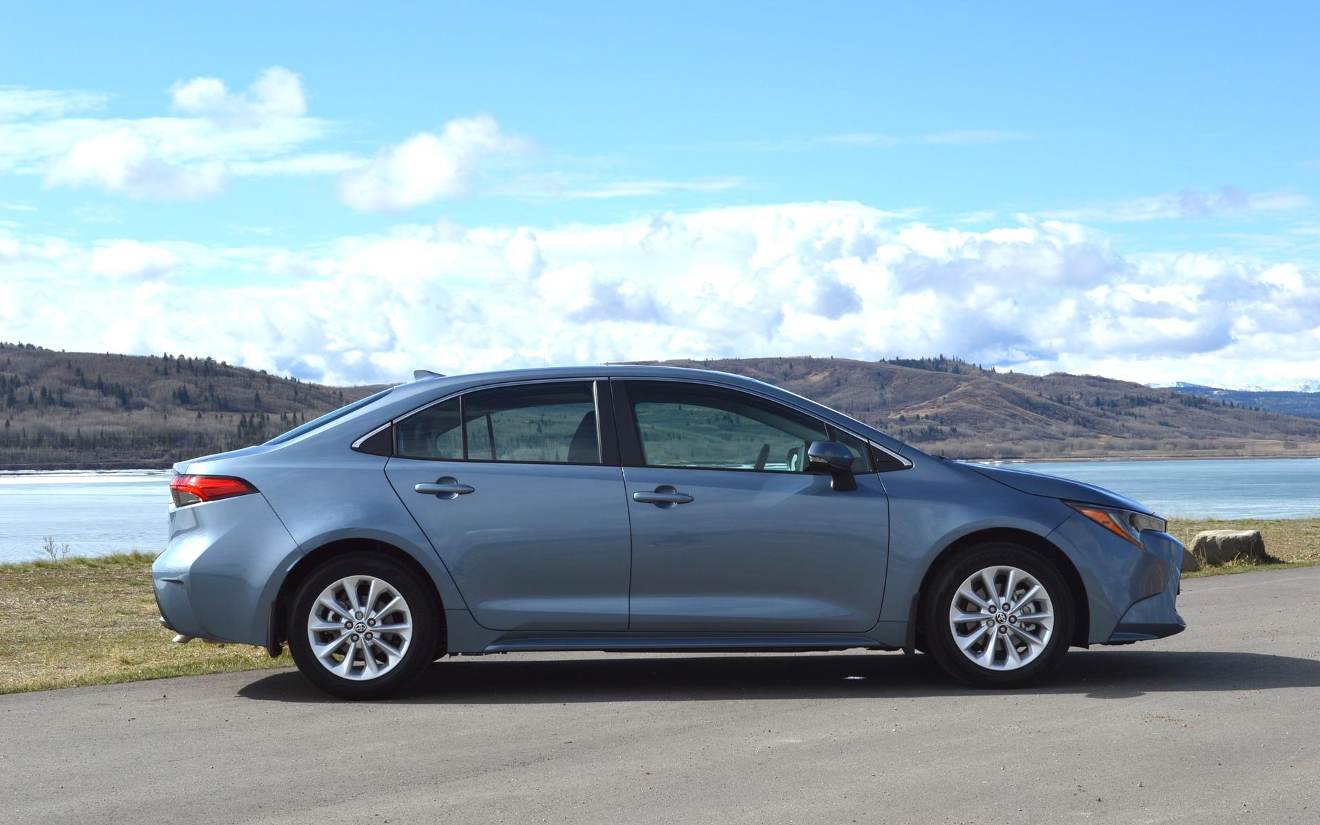 Toyota Corolla 2020: La Corolla beige n'existe plus. Ou presque… 376899_Toyota_Corolla_2020_La_Corolla_beige_n_existe_plus_En_fait_presque