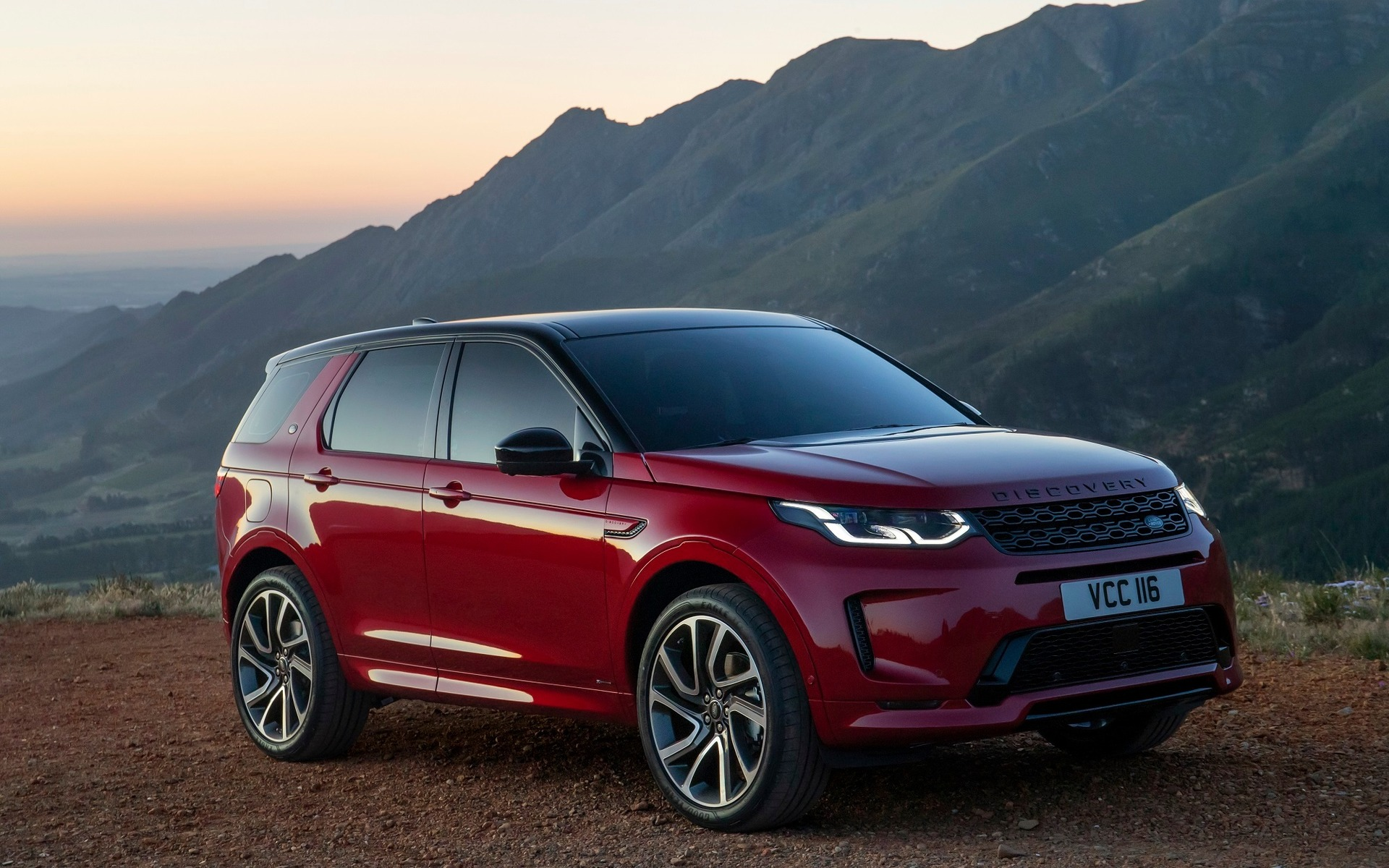 Range Rover Discovery Sport >> 2020 Land Rover Discovery Sport Improved With Cool New Tech