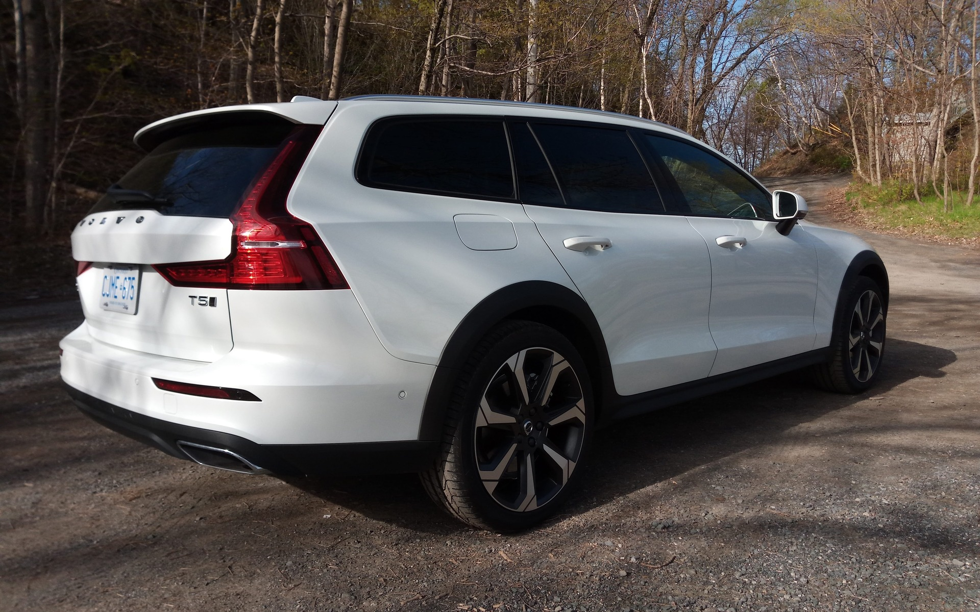 2019 Volvo V60 Cross Country: More Fun Than an SUV - The Car