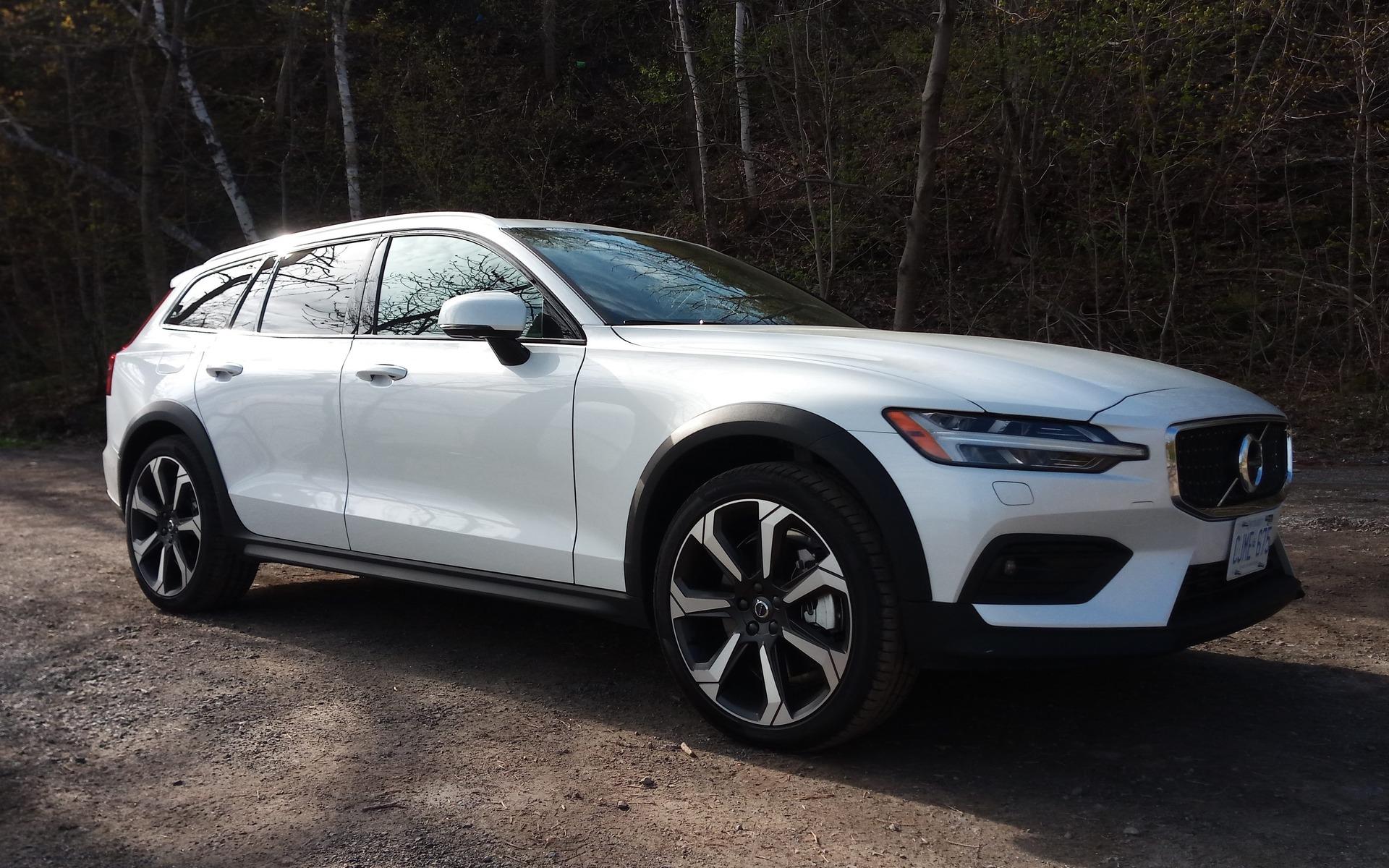 2019 Volvo V60 Cross Country More Fun Than An Suv The Car