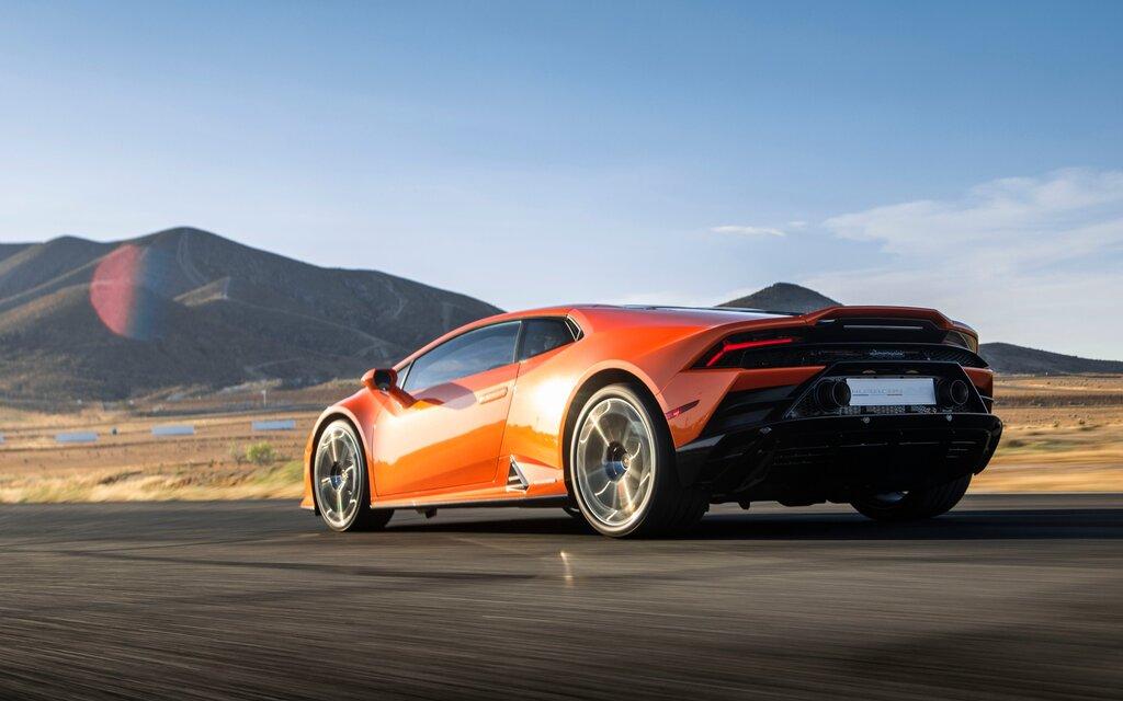 2020 Lamborghini Huracán Evo: Electronic-driven
