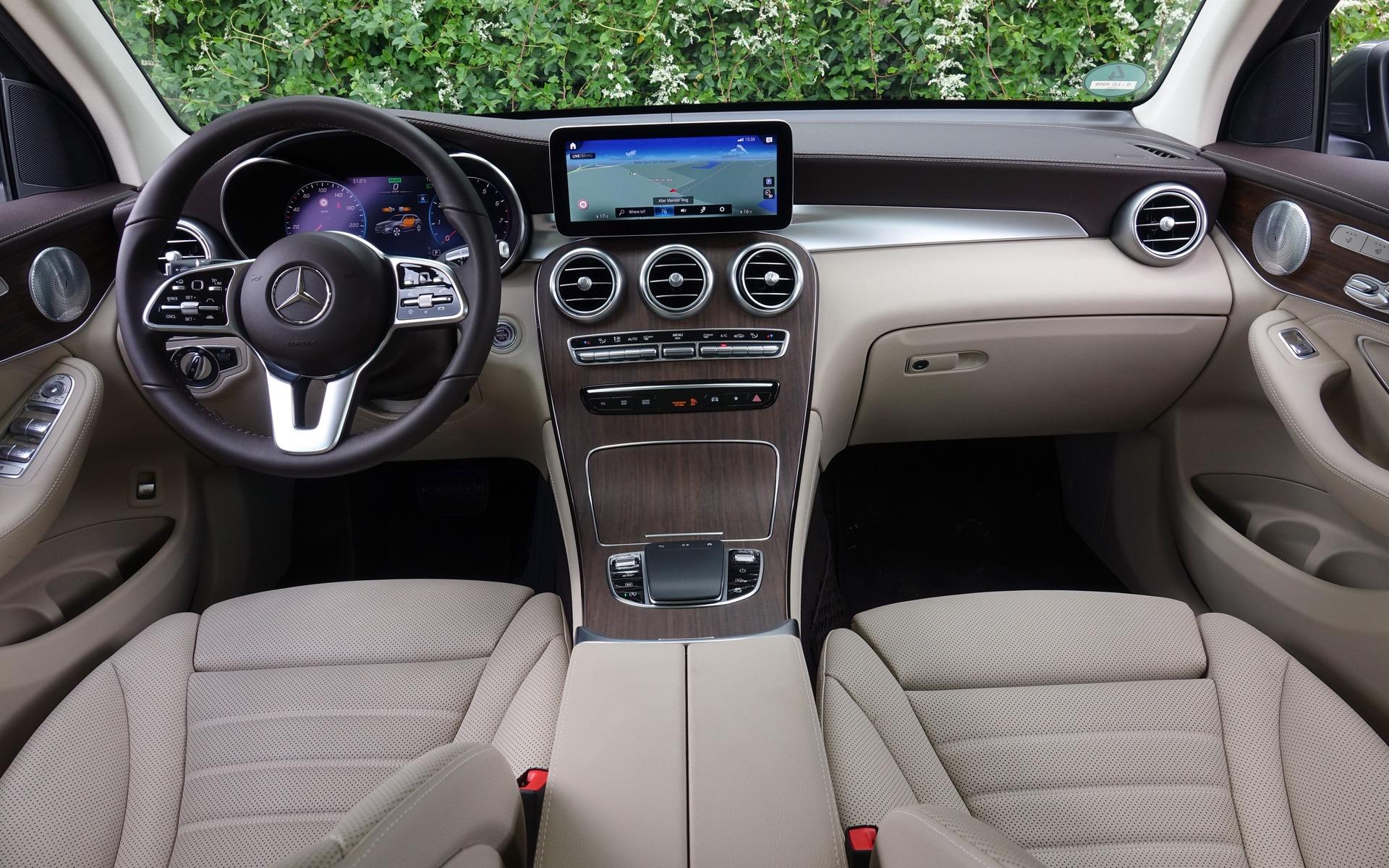 <p>Mercedes-Benz GLC 300 4MATIC 2020</p>