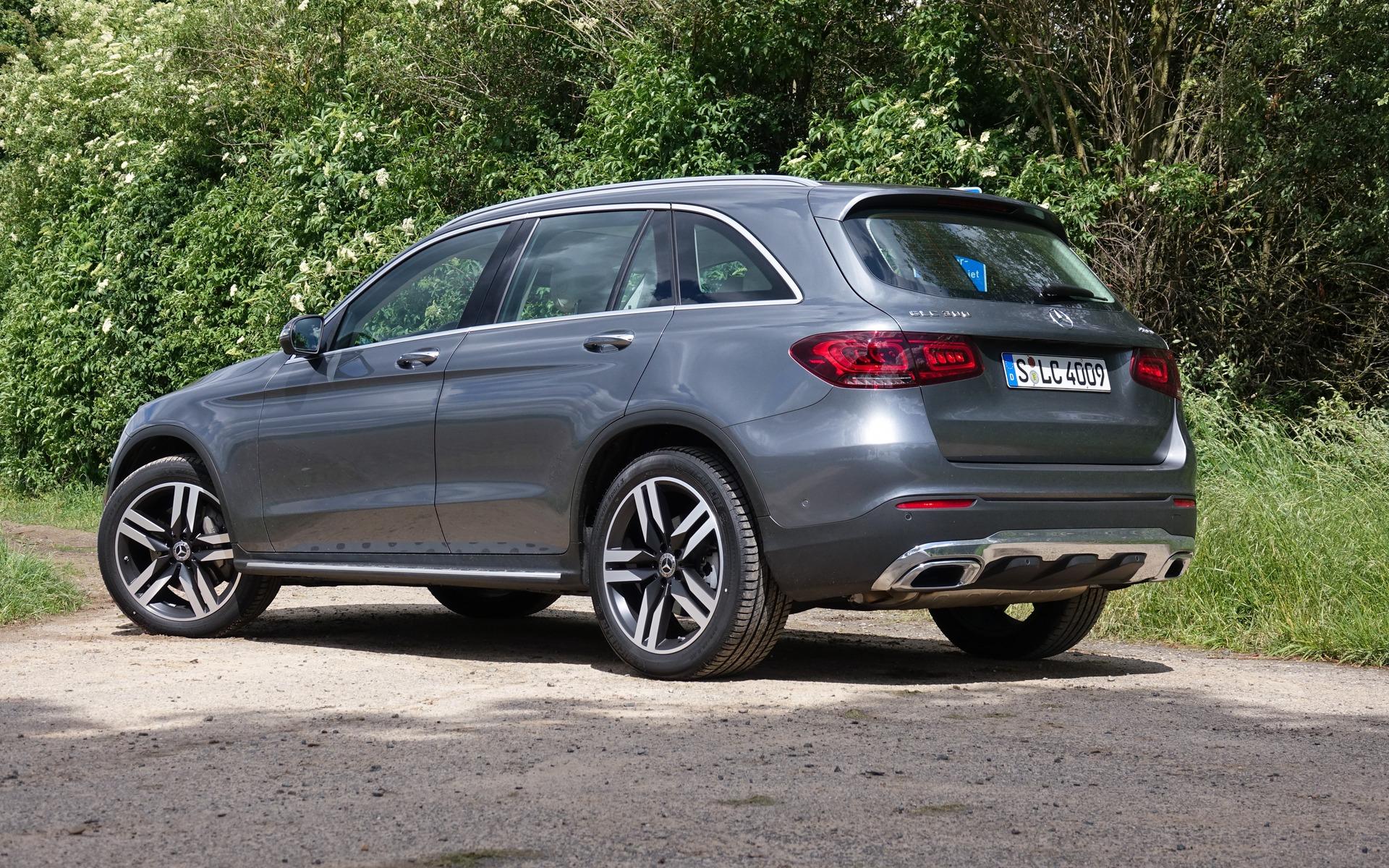 <p>2020 Mercedes-Benz GLC 300 4MATIC</p>