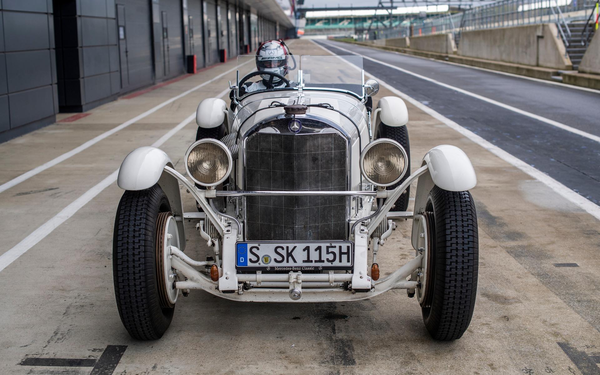 <p>Un roadster Mercedes-Benz Super Sport Kurz (SSK) de course</p>