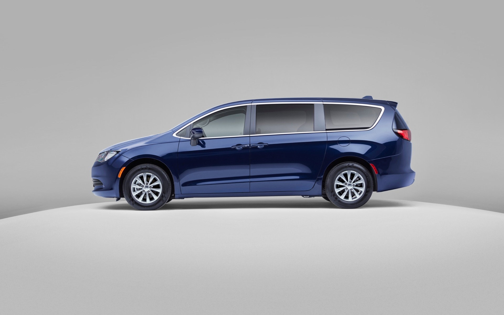 Chrysler Voyager Makes a Comeback for 2020 - The Car Guide