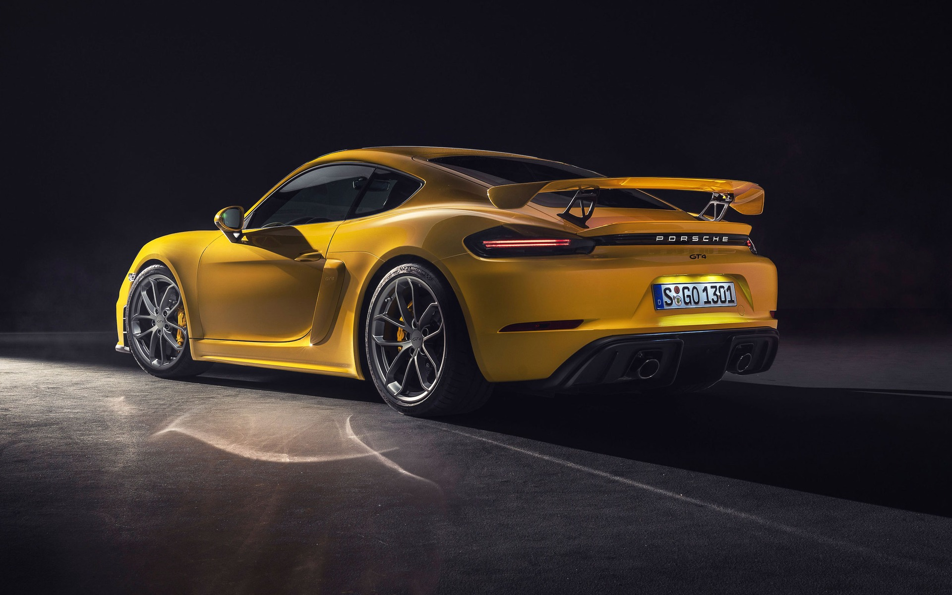 <p>Porsche 718 GT42019</p>