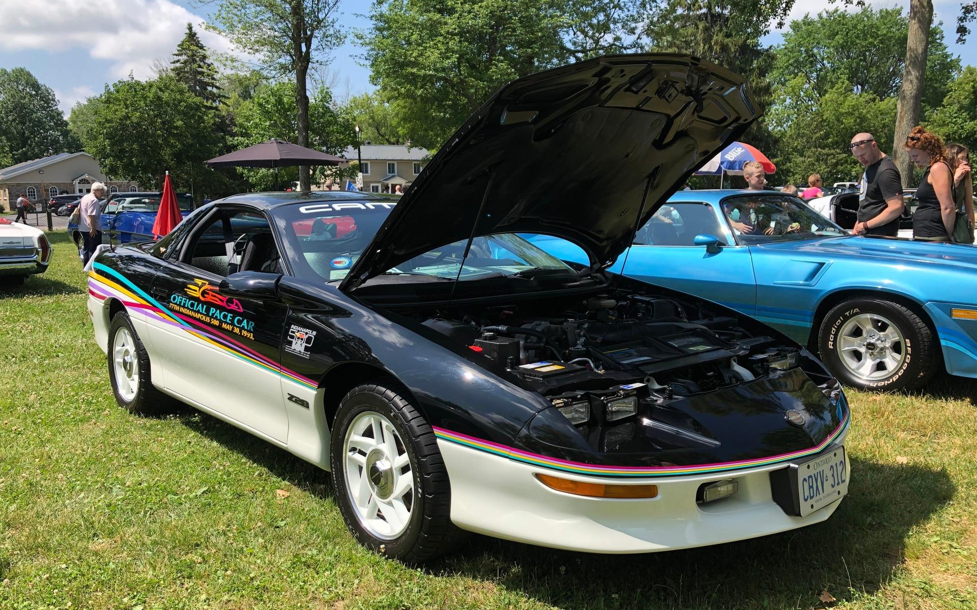 <p>Chevrolet Camaro 1993</p>