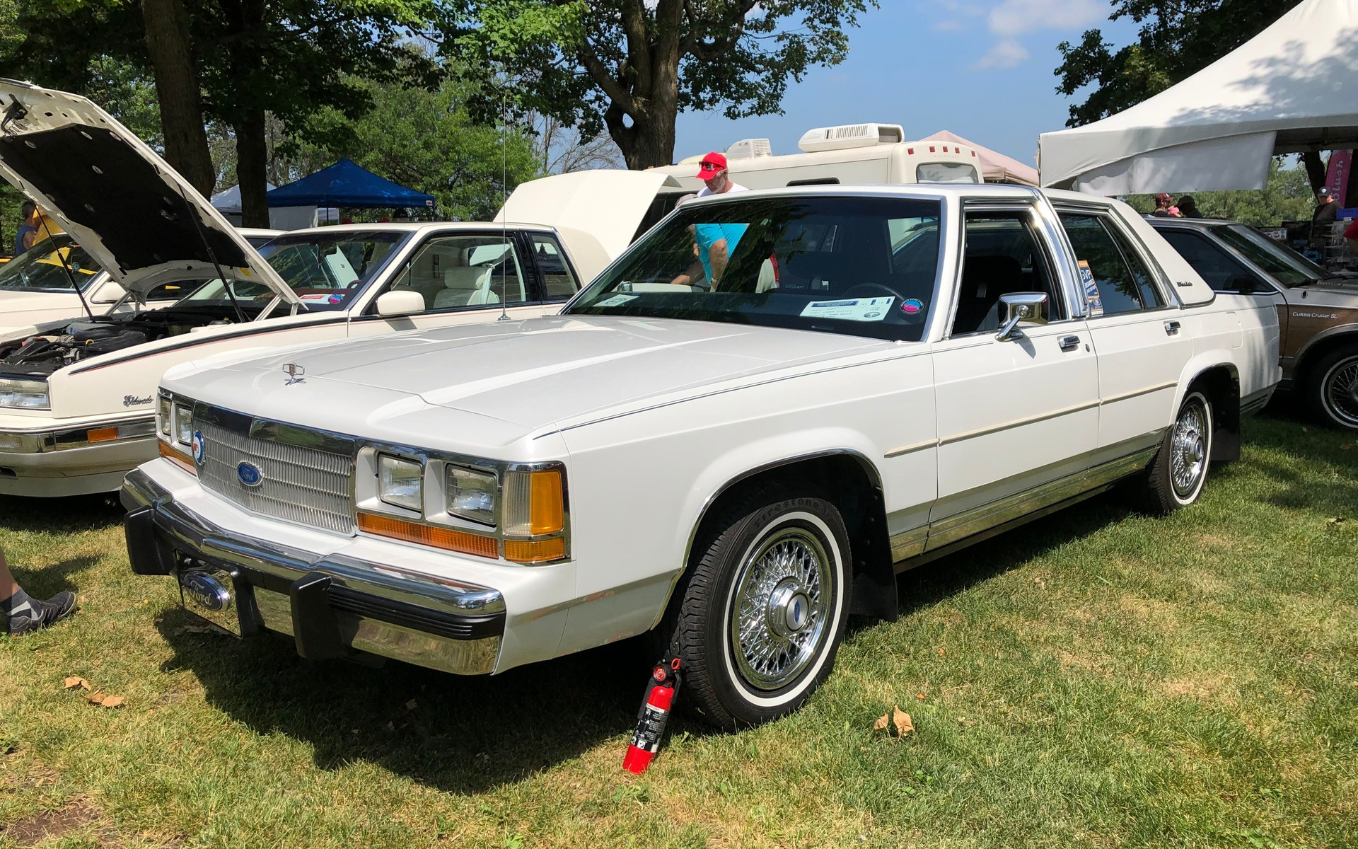 <p>Ford Crown Victoria 1988</p>