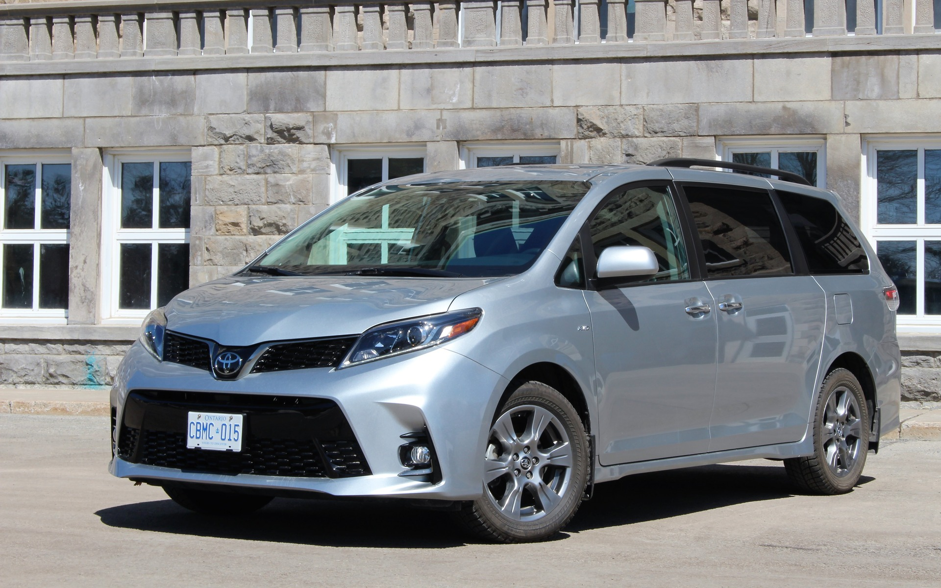 2019 Toyota Sienna Hybrid Rumors, Redesign, Release Date >> 2019 Toyota Sienna Long In The Tooth The Car Guide