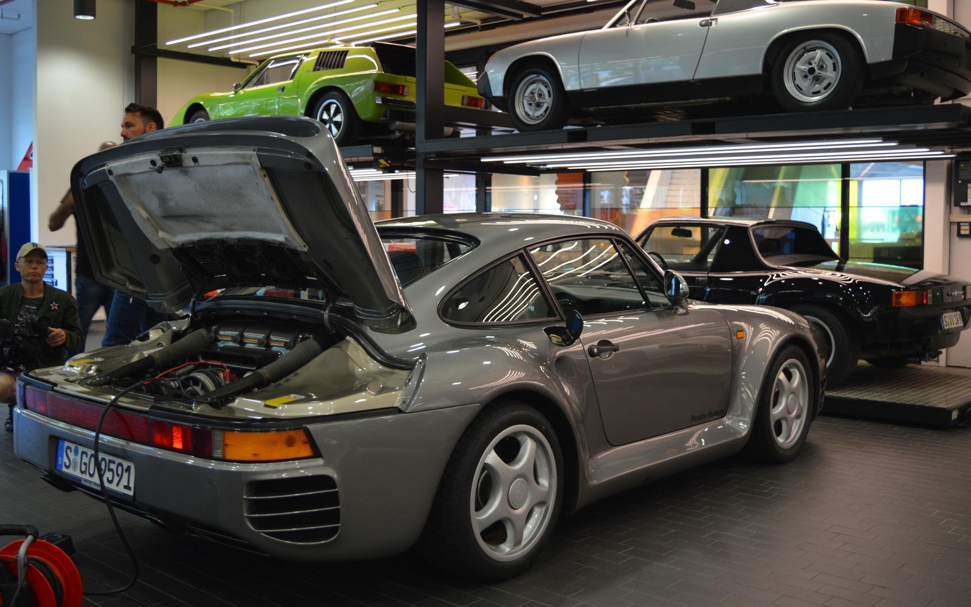<p>Porsche 959</p>