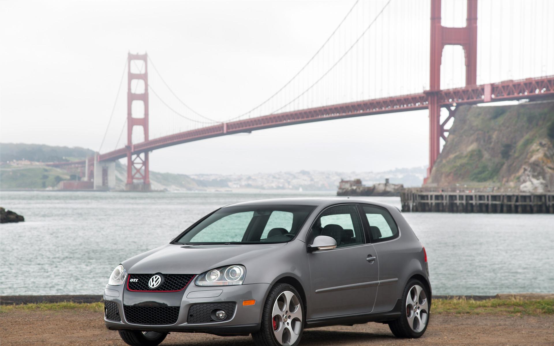 Volkswagen Golf : l'avenir de Volkswagen… depuis 45 ans! 387816_Volkswagen_Golf