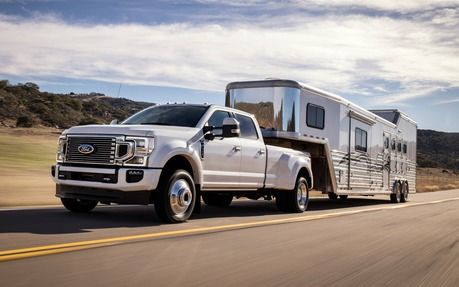 Ford Truck Towing Capacity >> 2020 Ford Super Duty S Max Towing Capacity Is 37 000 Lbs