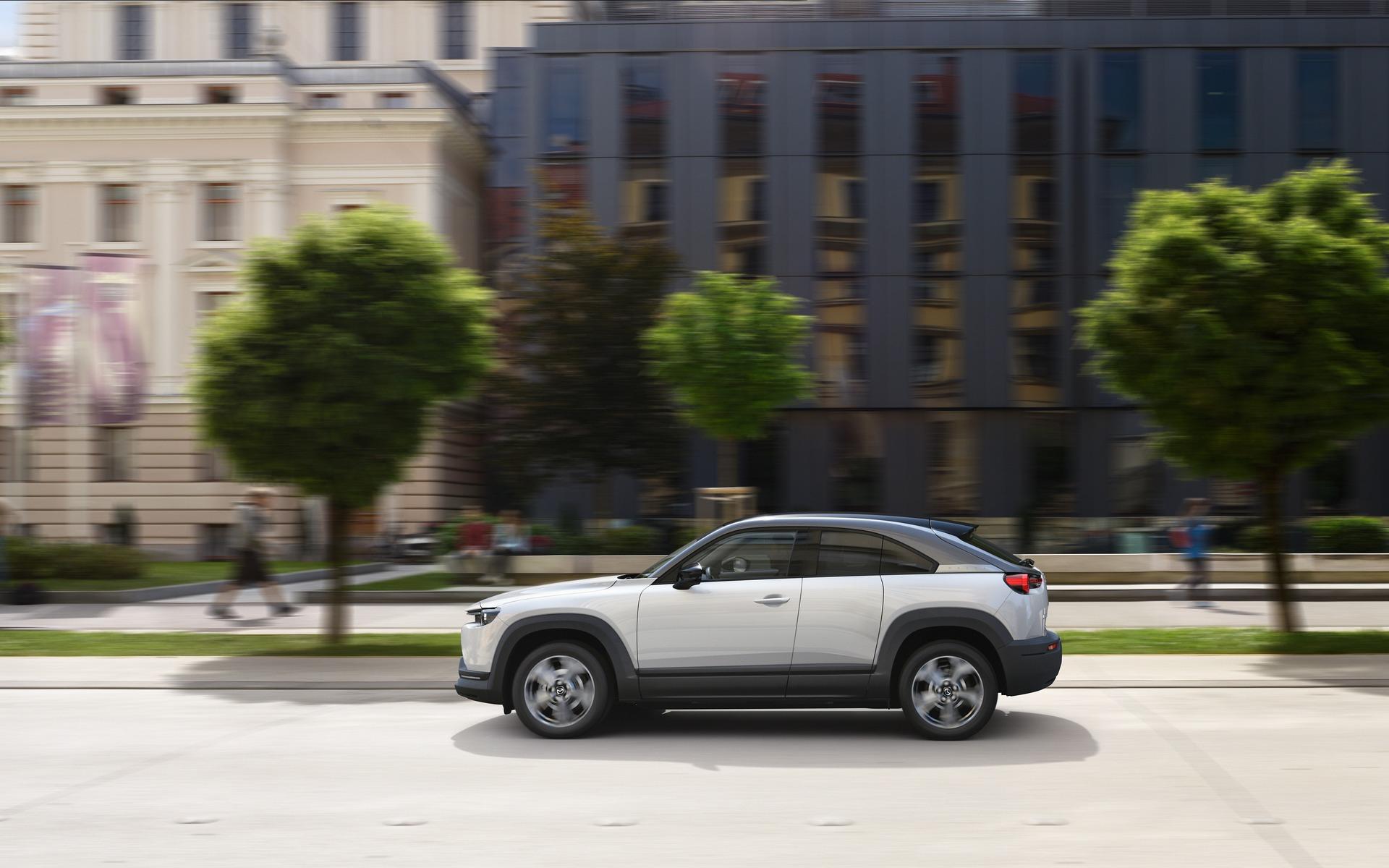 Mazda MX-30 (2019) 8