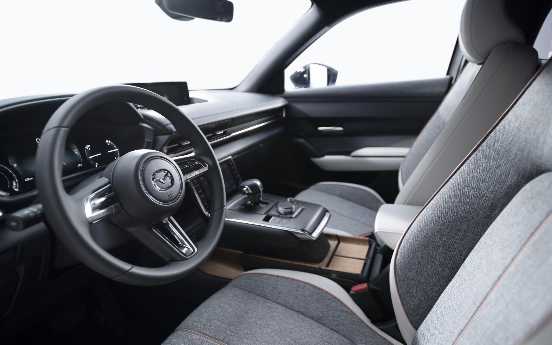 Mazda MX-30 (2019) 18