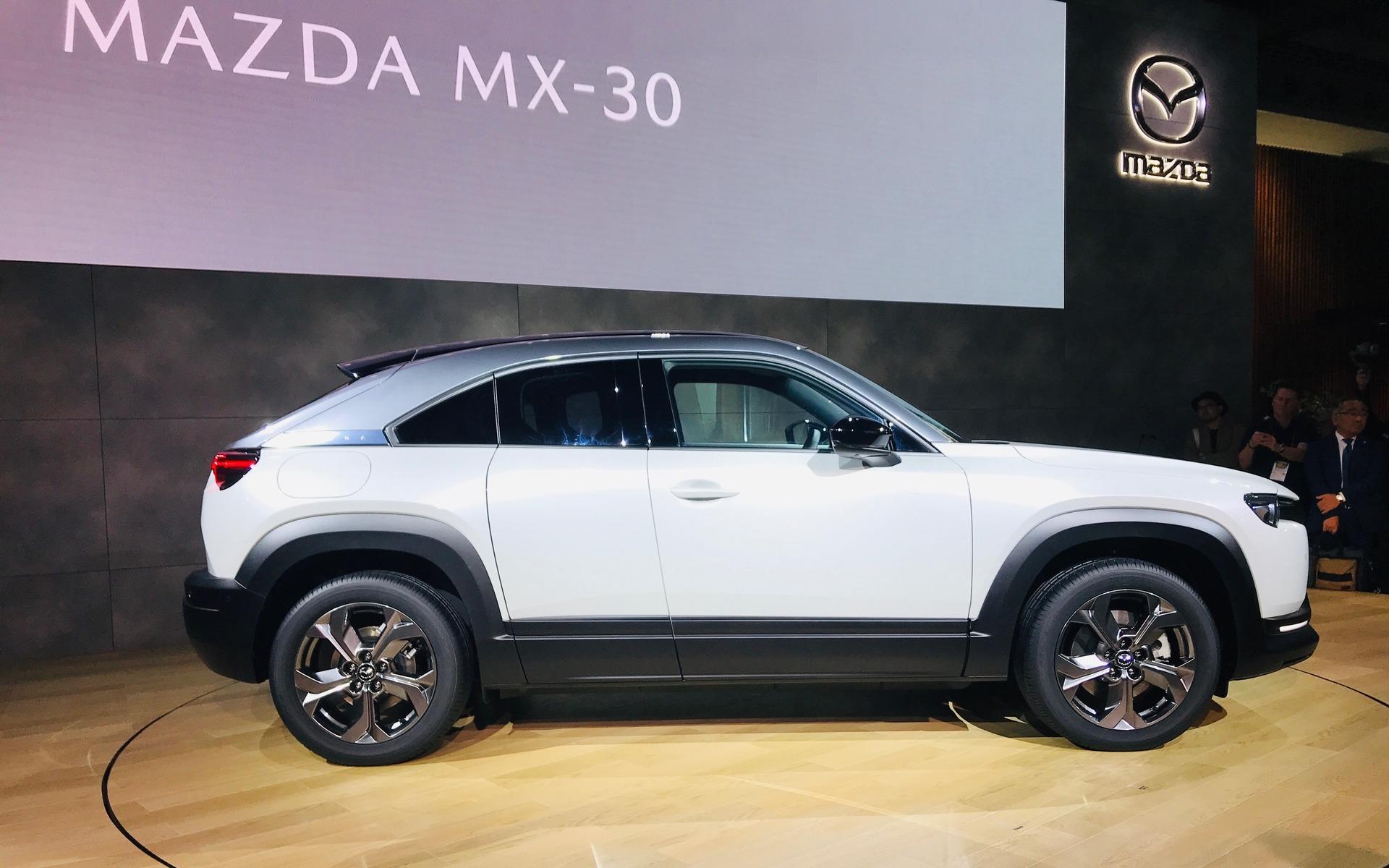 Mazda MX-30 (2019) 25