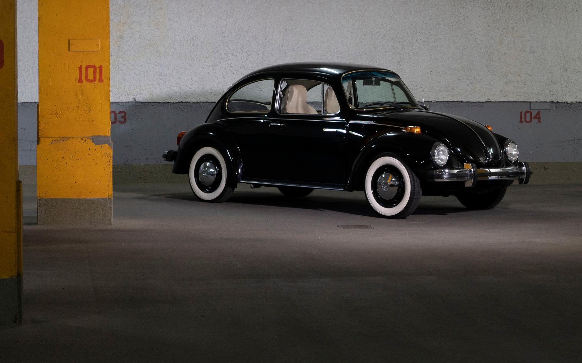 Parle-moi de ton char : Michel et son amour pour la Coccinelle 397422_1974_Volkswagen_Beetle