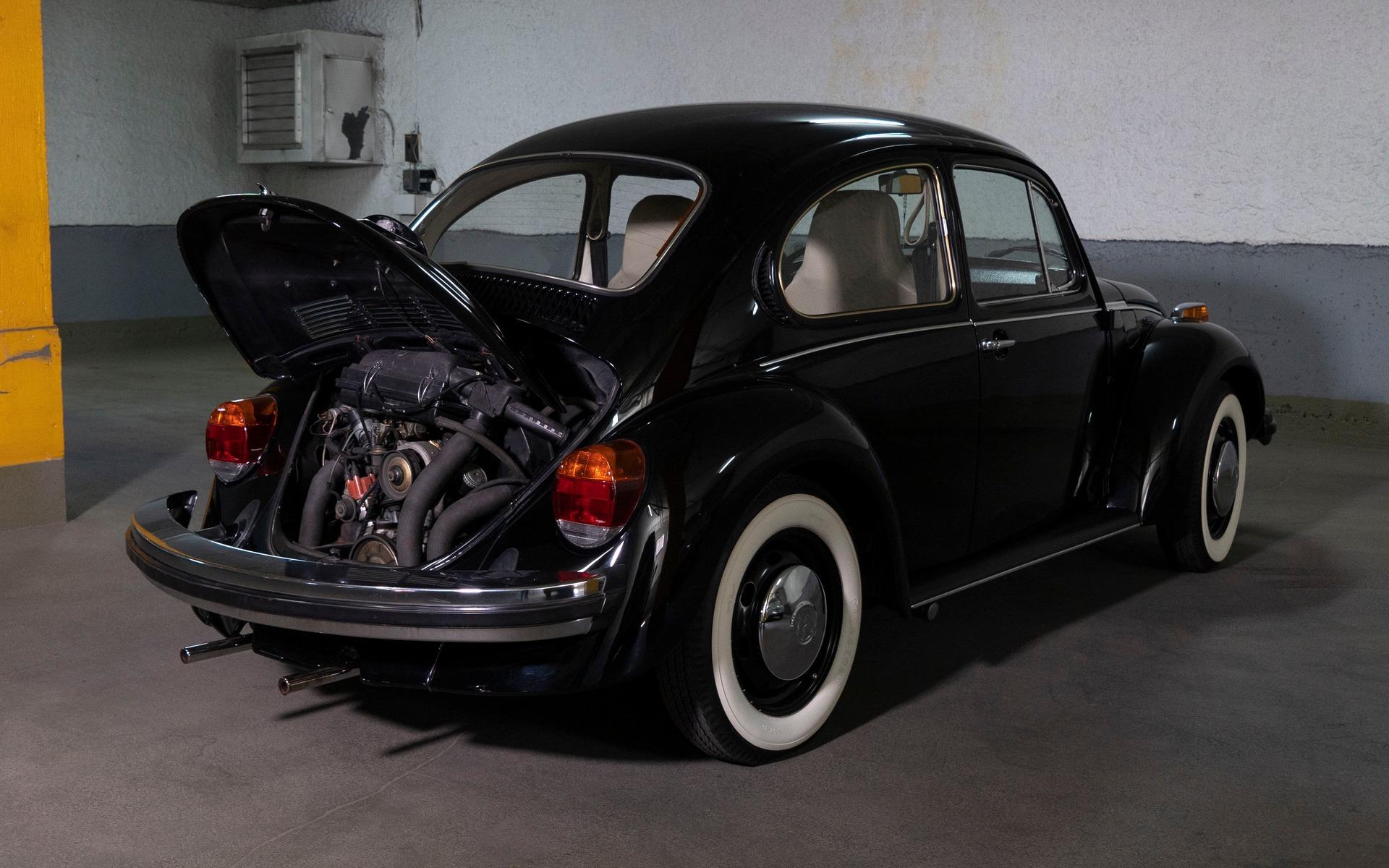 Parle-moi de ton char : Michel et son amour pour la Coccinelle 397430_1974_Volkswagen_Beetle