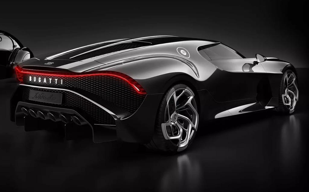 <p>Bugatti La Voiture Noire</p>