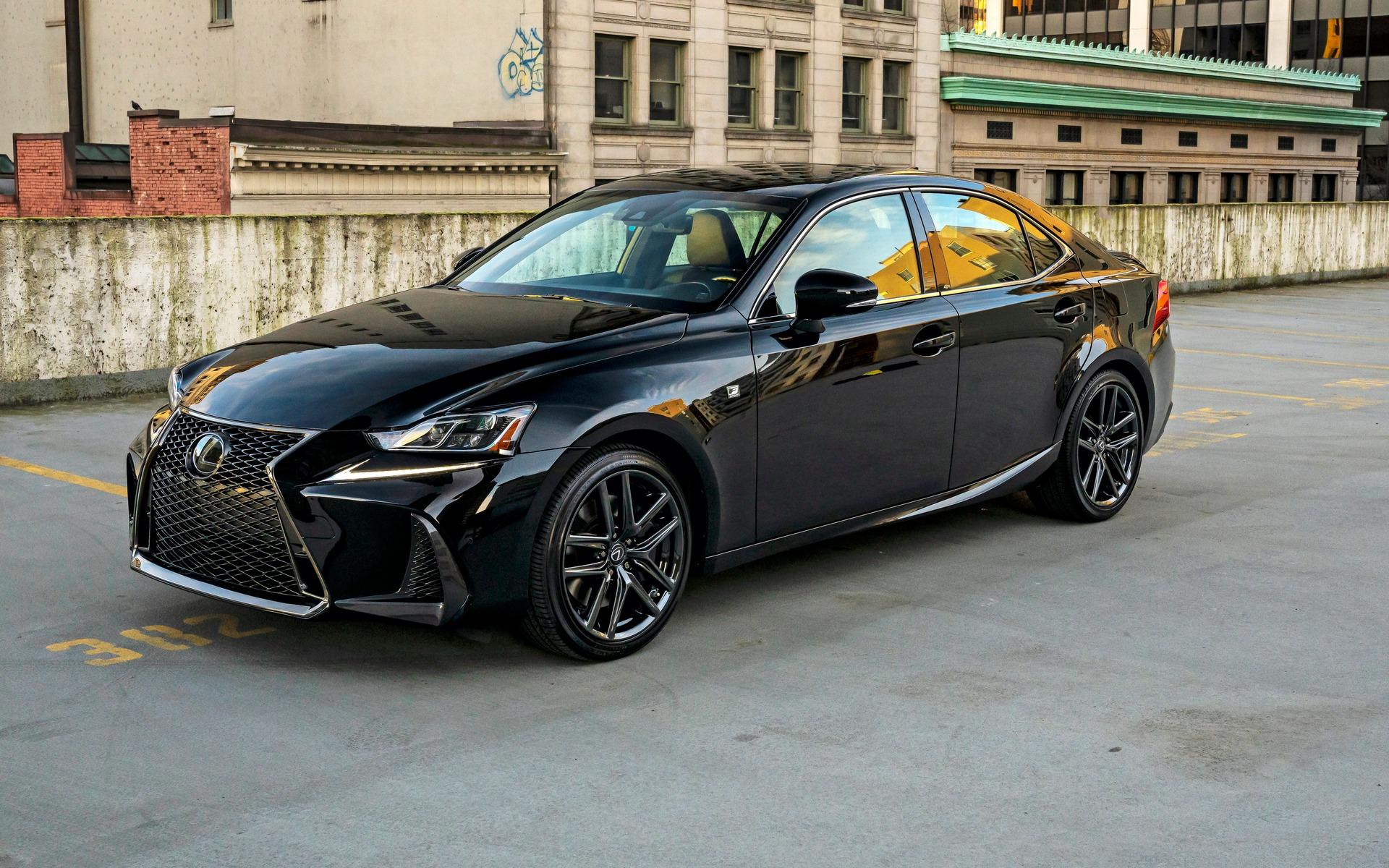 <p>Lexus IS 300 AWD Black Line</p>