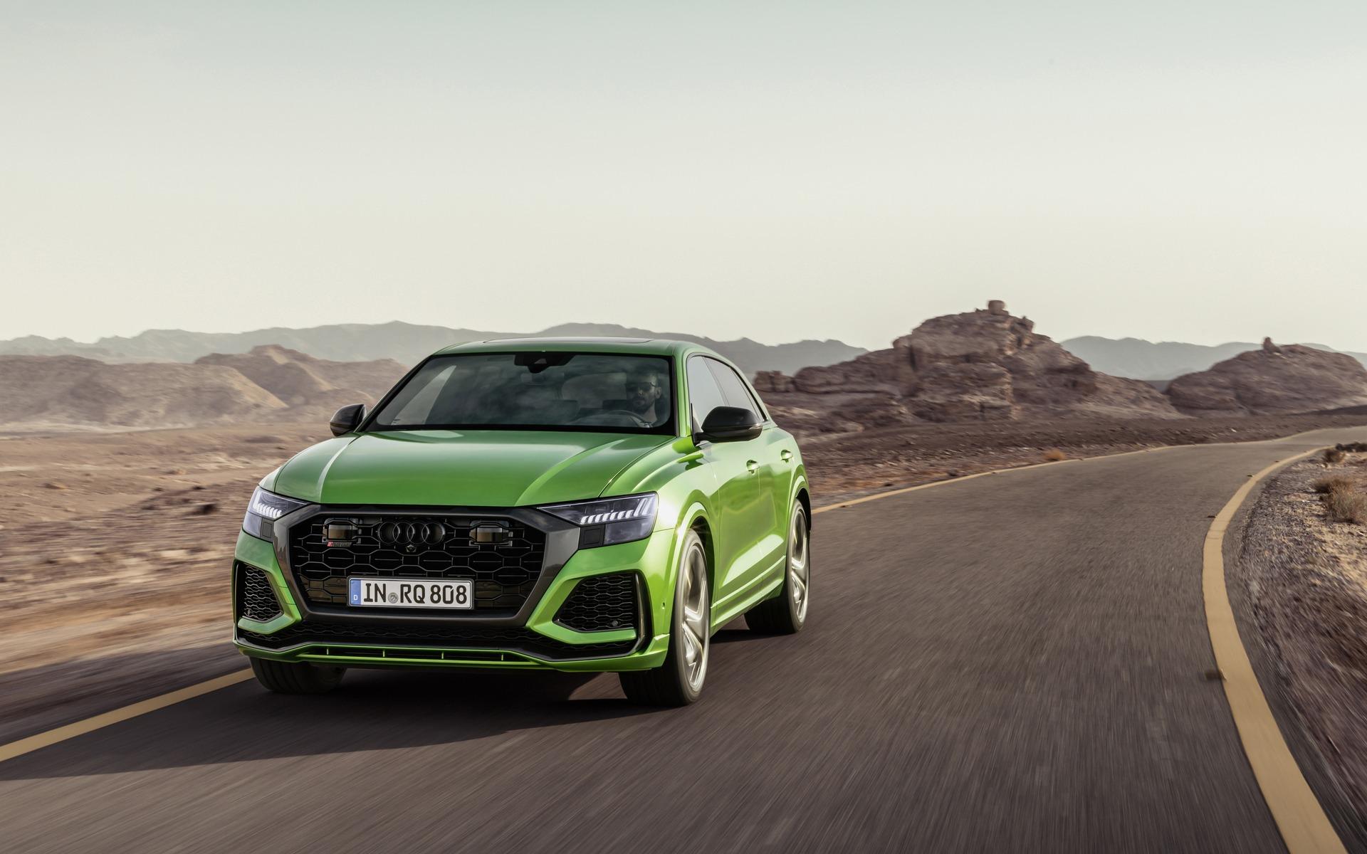 <p>Audi RS Q82020</p>