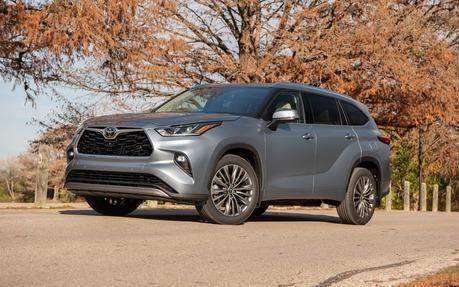 Toyota Highlander Towing Capacity >> 2020 Toyota Highlander Definitely Pick The Hybrid The Car