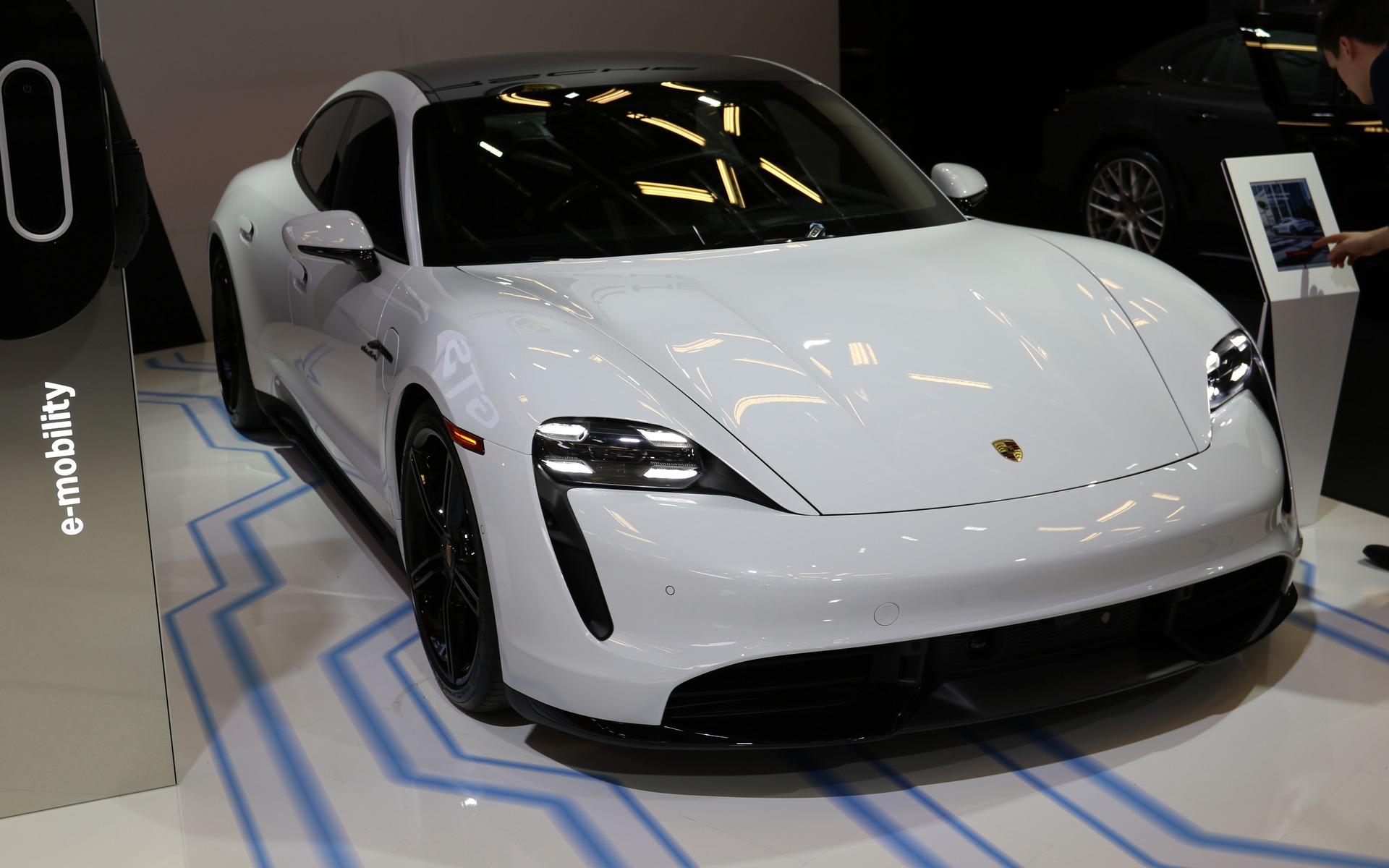 <p>2020 Porsche Taycan</p>