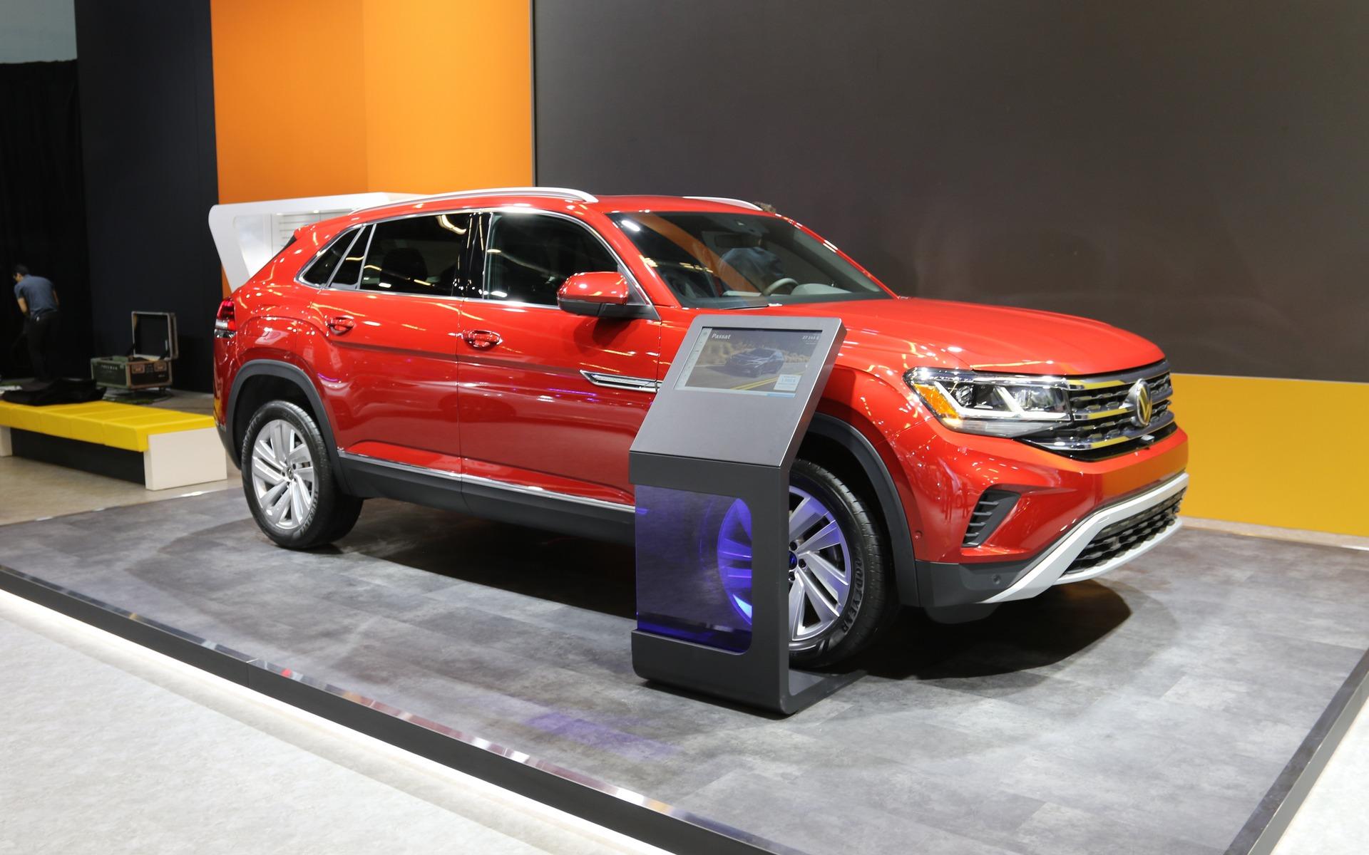 <p>2020 Volkswagen Atlas Cross Sport</p>