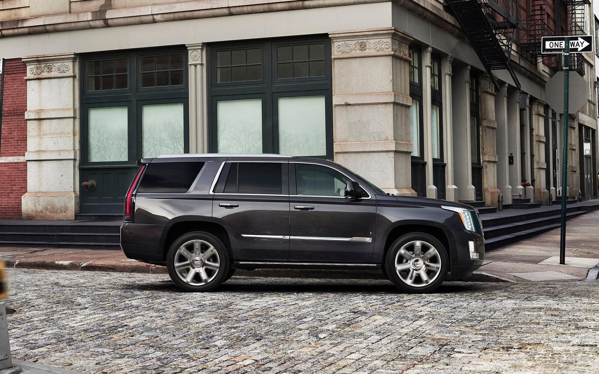 <p>2017 Cadillac Escalade</p>