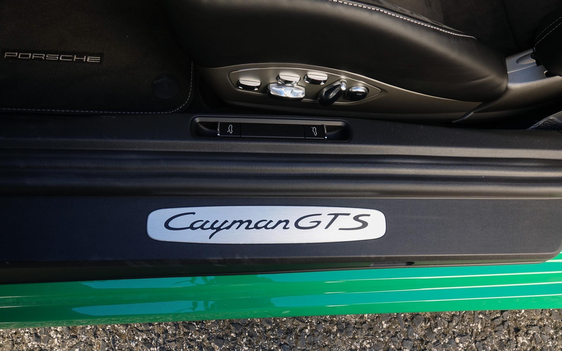 <p>Porsche 718 Cayman GTS 4.0</p>