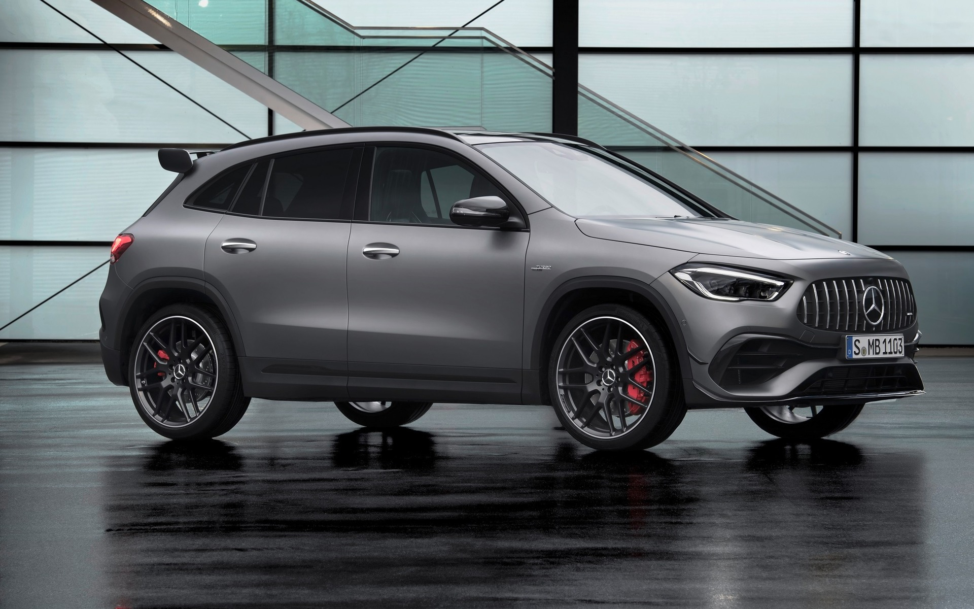 2021 mercedesamg gla 45 is back with a 382hp engine