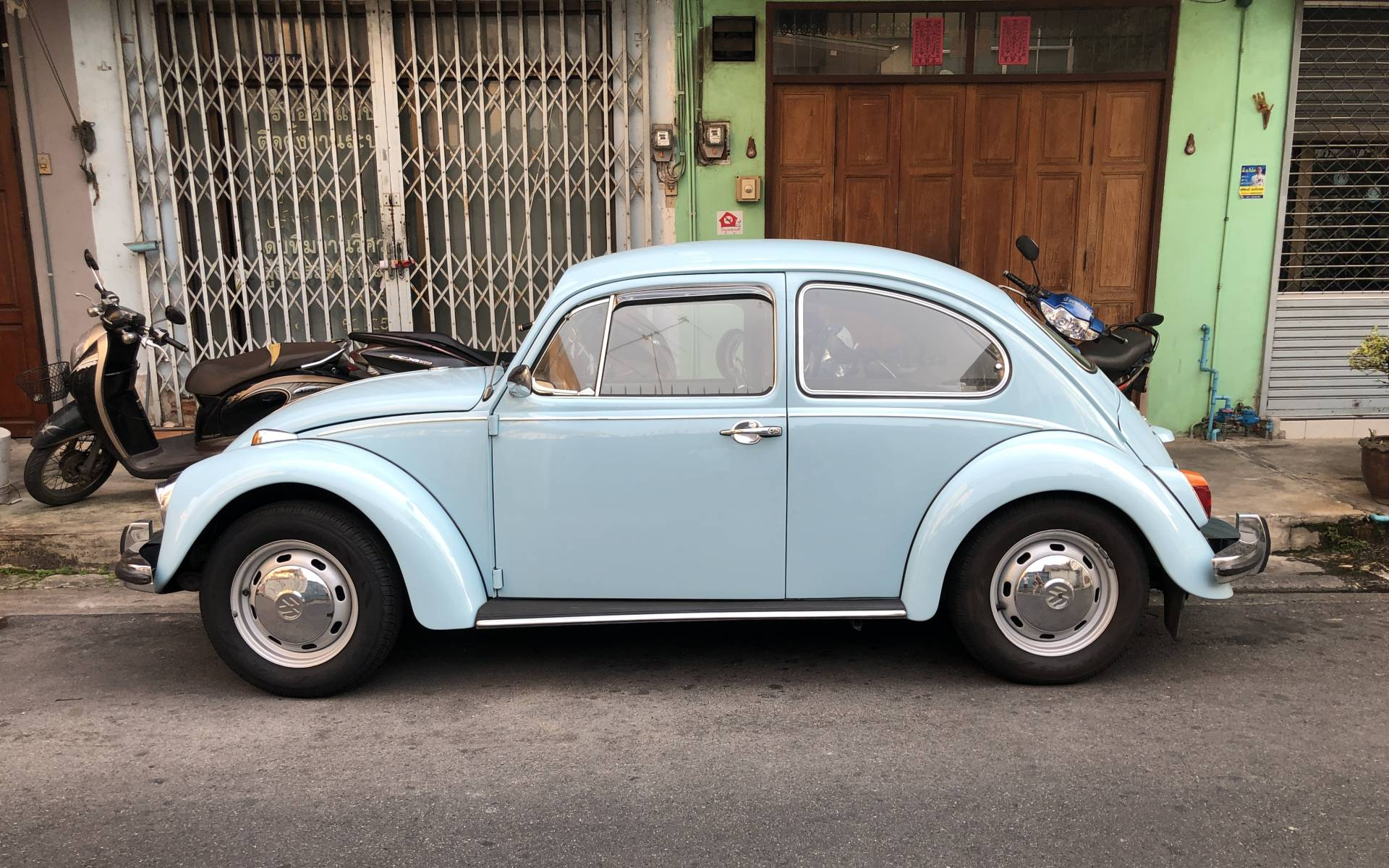 <p><strong>Volkswagen Beetle</strong></p>