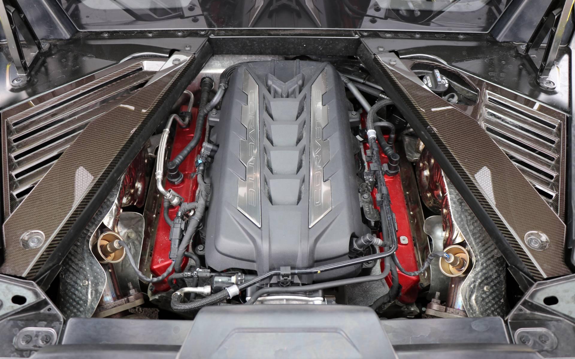 Corvette C7 Stingray Jaune Fibre de Carbone Look Chapeau