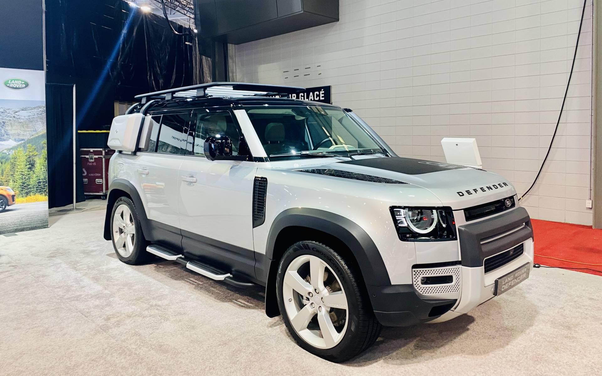 Salon Rouge Blanc Noir salon de l'auto de québec 2020 : le land rover defender à